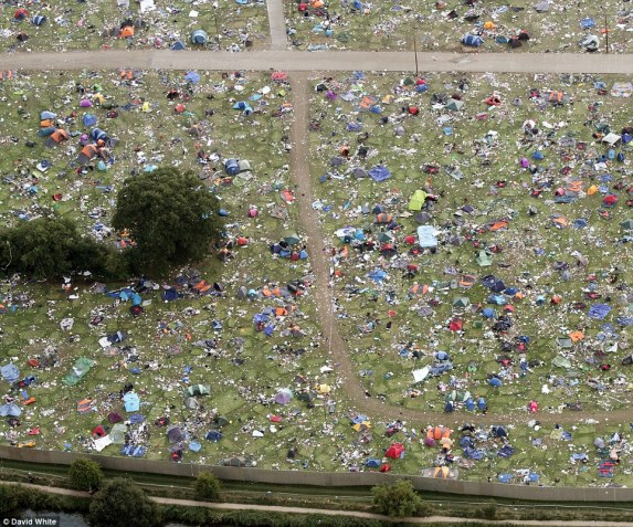Reading-Festival-2013-Trash